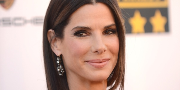 Sandra Bullock signs to appear in alien invasion film 'Bird Box' for Netflix